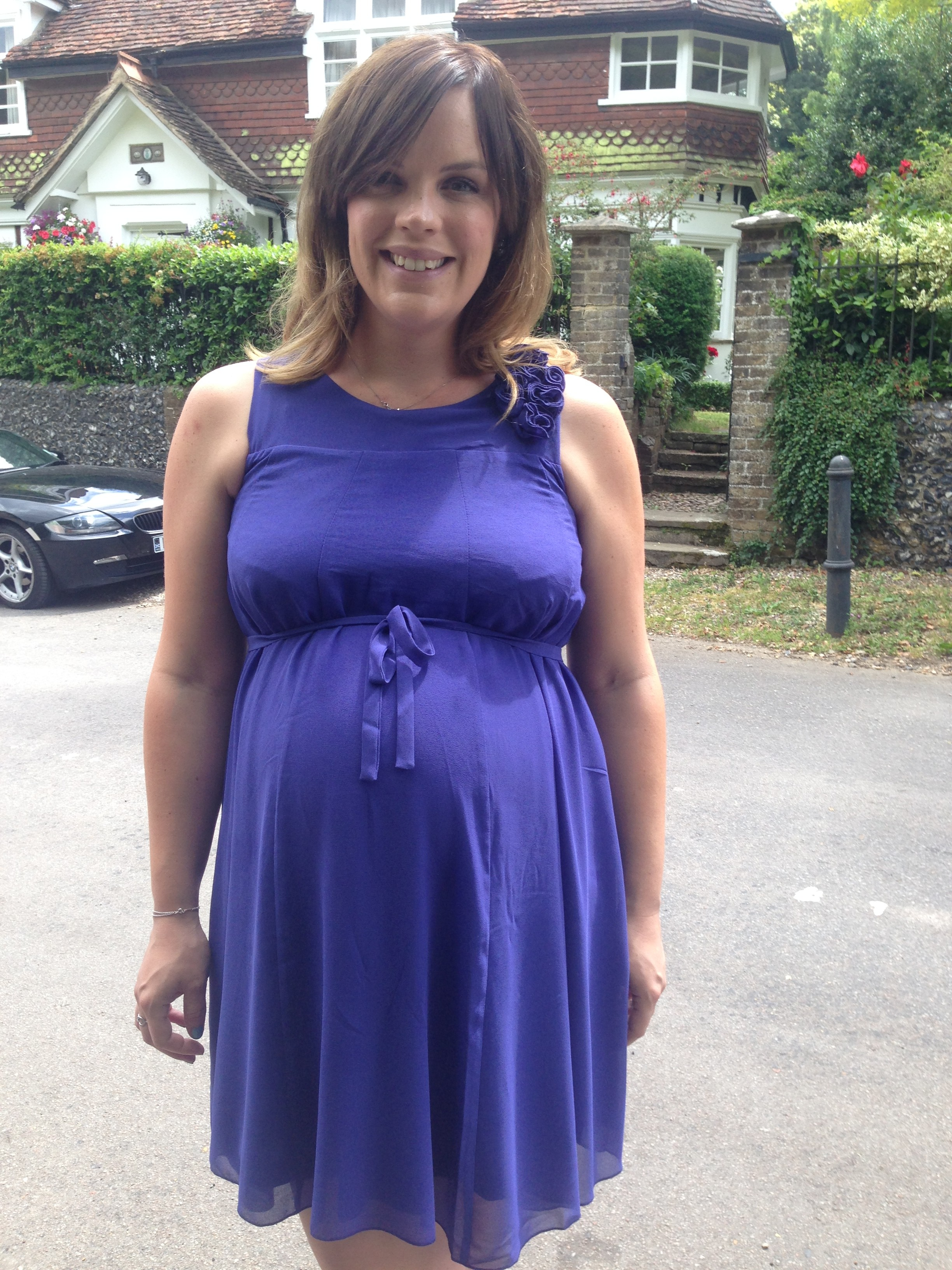 Top tips for surviving a wedding in your final trimester for Wedding guest pregnancy dresses