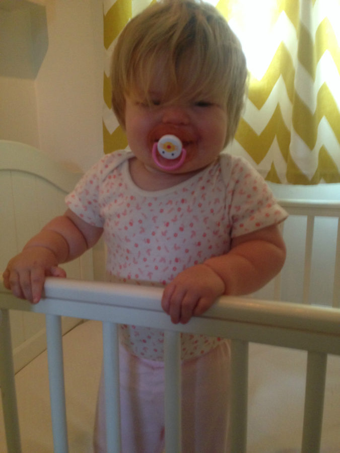 standing-up-in-cot